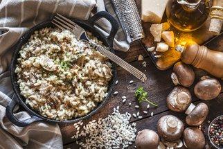 Recepty ze zbytků pečeného kuřete: Italské rizoto, pomazánka i nudlový salát s avokádem