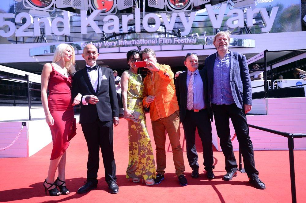 Na filmovém festivalu v Karlových Varech proběhla premiéra dokumentu o JXD Nepřesaditelný.