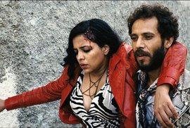 Zanka Contact: Prostitutka a vyžilý rocker v exotických kulisách arabského světa