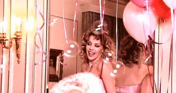 Kylie Minogue v reklamě na šperky Tous