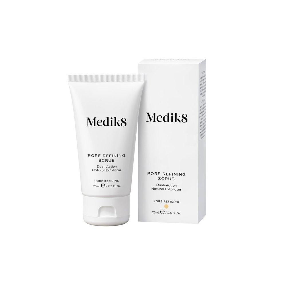 Medik 8 Přírodní peeling pro redukci rozšířených pórů a čištění pleti, 829 Kč