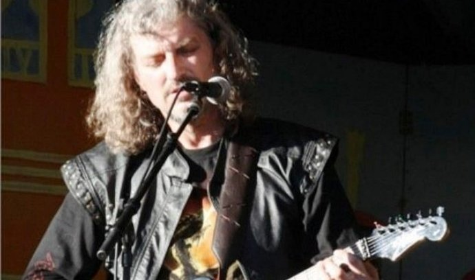 Kytarista Ivan Sekyra