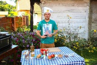 Láďa Hruška nám prozradil recept na domácí kečup. Podívejte se, čím ho vyšperkoval!