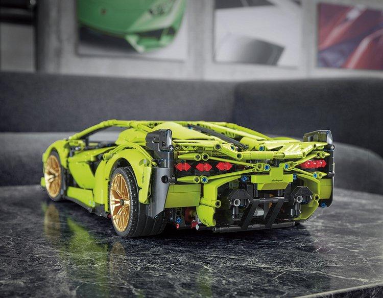 Lamborghini z Lega: Miniaturní, ale detailní Lambo Sián