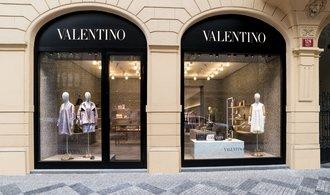 Bakala prodal luxusní butiky v Pařížské. Do černých čísel se nedostal