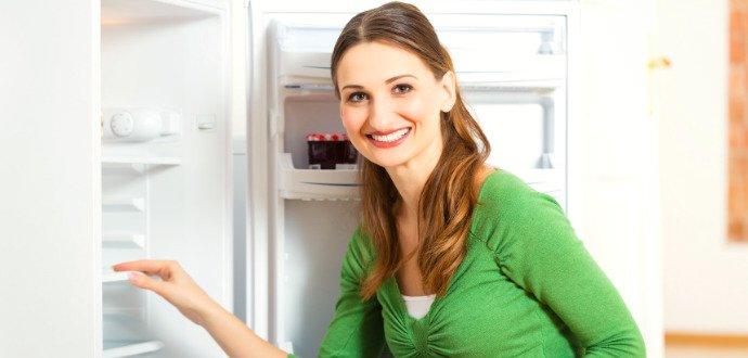 Čistka potravin i úspora energie: odmrazování lednice má své výhody