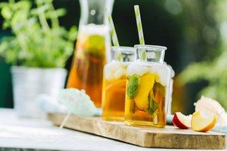 Letní osvěžení: Ať jste na nápoje s paraplíčkem, mléčné koktejly nebo zrovna řídíte, svůj drink zde najdete!