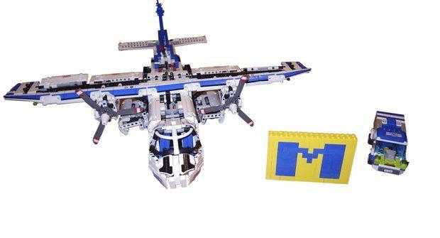 Logo M + letadlo + auto z LEGO od Jindry