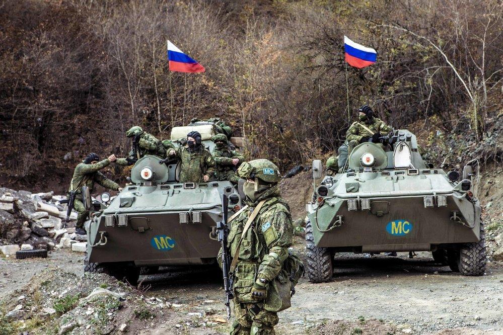 Před Dadivankem hlídkují ruští mírotvorci. Mají zajistit klid zbraní a dohlédnout na to, že Azeři Dadivank nepoškodí.