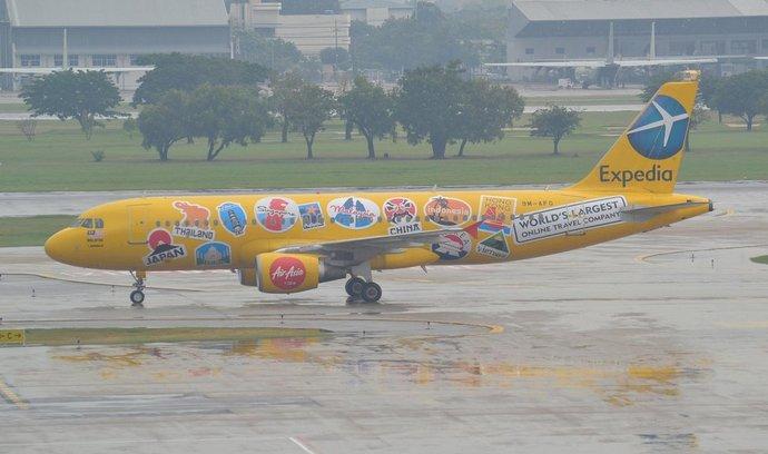 Letadlo v barvách společnost Expedia
