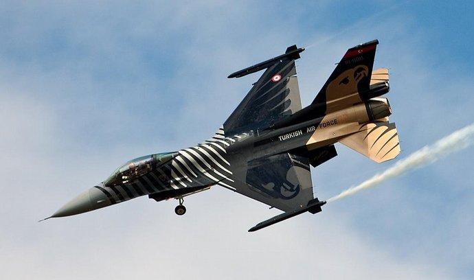 Letoun F-16 turecké armády
