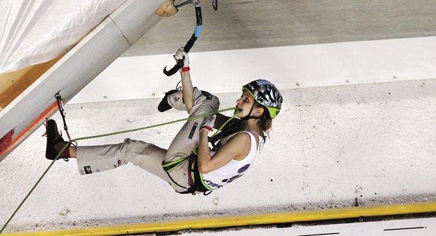 Lezení v ledu: adrenalin na zamrzlých stěnách