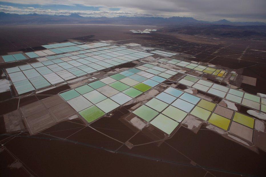 Lithiový důl v Chile