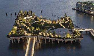New York zpřístupnil plovoucí park. Jeho architekt promění i centrum Prahy