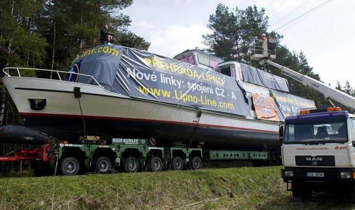 Loď Adalbert Stifter na cestě k Lipnu
