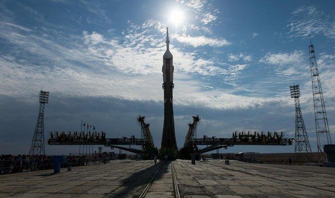 loď Sojuz při přípravě ke startu