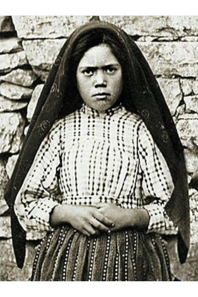 Tři děti, včetně malé Lucíe, pasoucí ovce u obce Fátima byly svědky zázraku