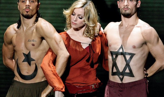 Madonna mezi tanečníky