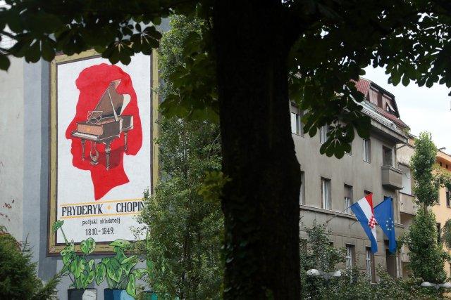 Velkoplošné nástěnné malby, takzvané muraly, mají pomoct s čištěním ovzduší ve městě