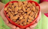 Zařaďte do svého jídelníčku mandle – krále mezi ořechy