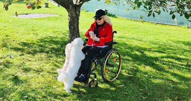 Marika Gombitová slavila 65. narozeniny na zahradě