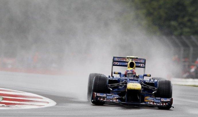 Mark Webber zvítězil na anglickém okruhu v Silwerstone.