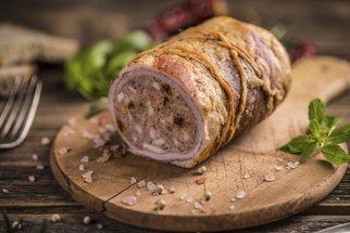 Jak péct maso s provázkem? Naučte se ho svázat správně!