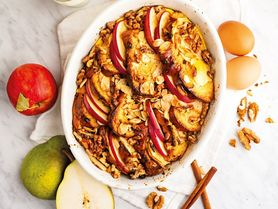 Máte rádi žemlovku? Vyzkoušejte našich 10 receptů, které zmizí z pekáče vcukuletu!