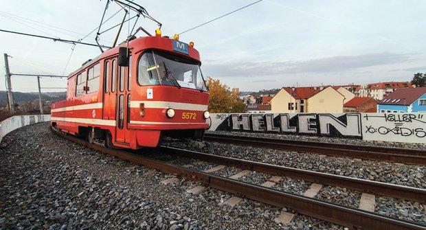 Mazací tramvaj: Unikátní pick-up na kolejích