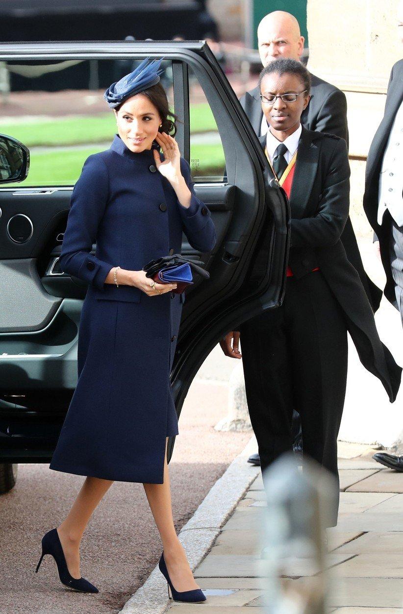 Meghan své těhotenství údajně oznámila všem na svatbě princezny Eugenie