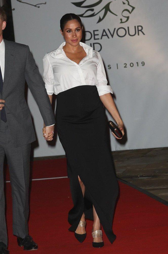 Vévodkyně Meghan v kompletu Givenchy