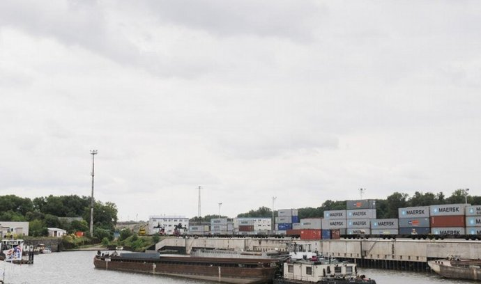 Mělnický přístav, největší v republice (ilustrační foto)
