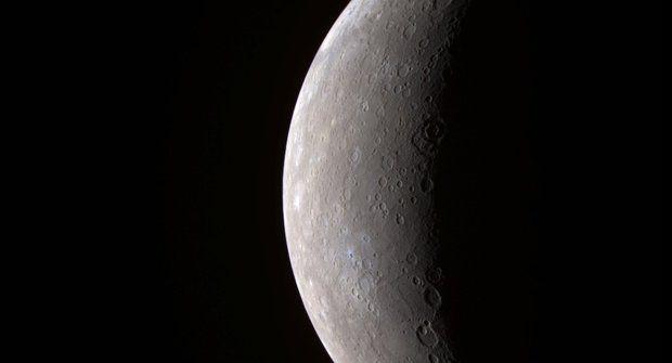 Merkur se zmenšuje