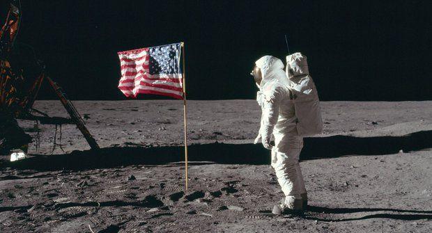 50 let od přistání na Měsíci: Tragédii Apolla 11 zabránila propiska