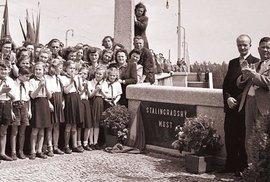 Češi kabrňáci v přejmenovávání: Rudý špalek, Husákova stodola, Lidojem a jiná…