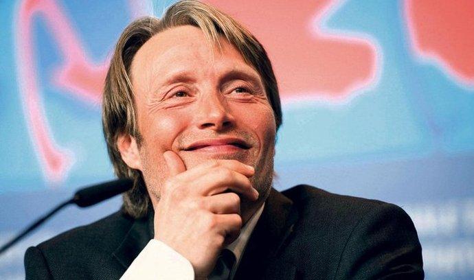 Mezinárodní hvězda. Mikkelsen si zahrál padoucha v bondovce Casino Royale, v nejnovější adaptaci Tří mušketýrů či v Souboji Titánů