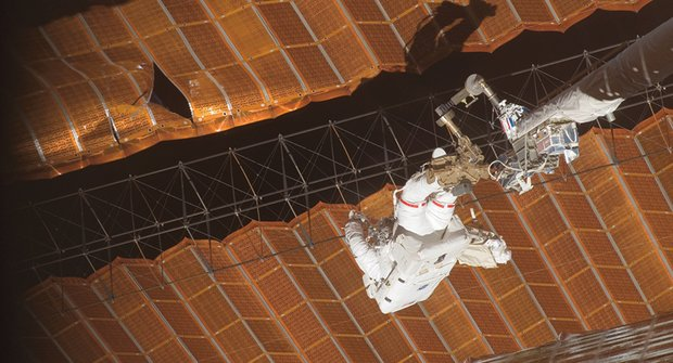 Jak se sluní ISS: Mezinárodní vesmírná stanice dostane nové panely