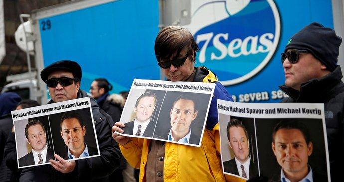 Čína je věznila přes 1000 dnů! Dva Michaely pustil Peking domů po podezření ze špionáže
