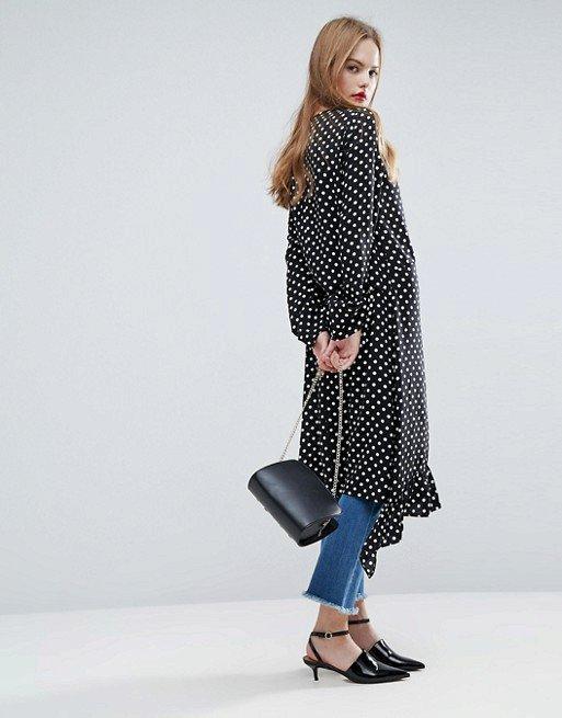 Puntíkaté šaty, Asos, 38 GBP, www.asos.com