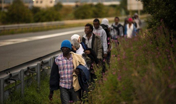 Migranti ve francouzském Calais