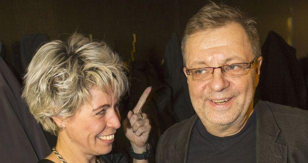 Milan Šteindler se svou expřítelkyní Kateřinou na křtu knihy Haliny Pawlowské Díky za fíky.