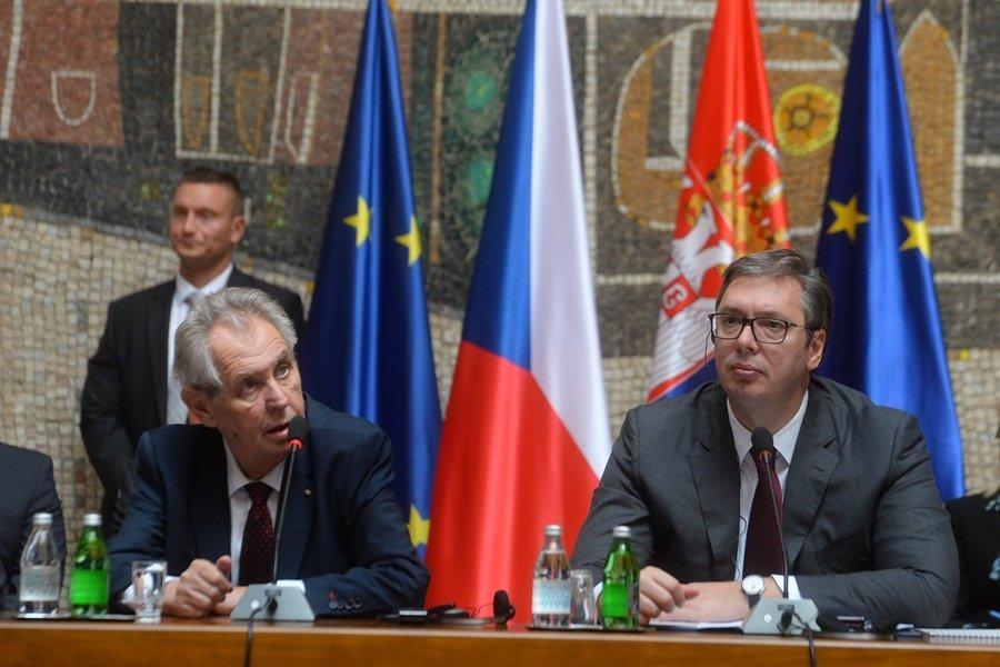 Miloš Zeman a  Aleksandar Vučič na starším snímku.