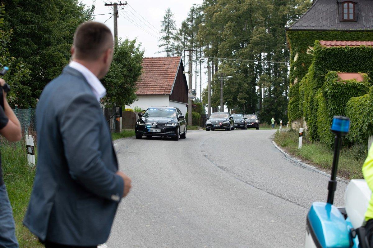 První zastávka prezidenta Miloše Zeman na dovolené. Na oběd zavítal do Hotelu Rytířsko na Vysočině.
