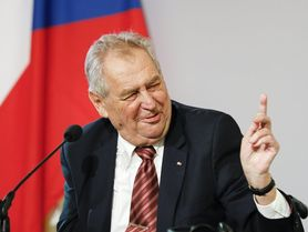 Miloš Zeman může zůstat na lůžku až do Vánoc, a vláda přesto vznikne