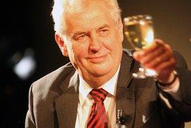 Dobrá zpráva pro Miloše Zemana, konečně má tu správnou prezidentskou stranu