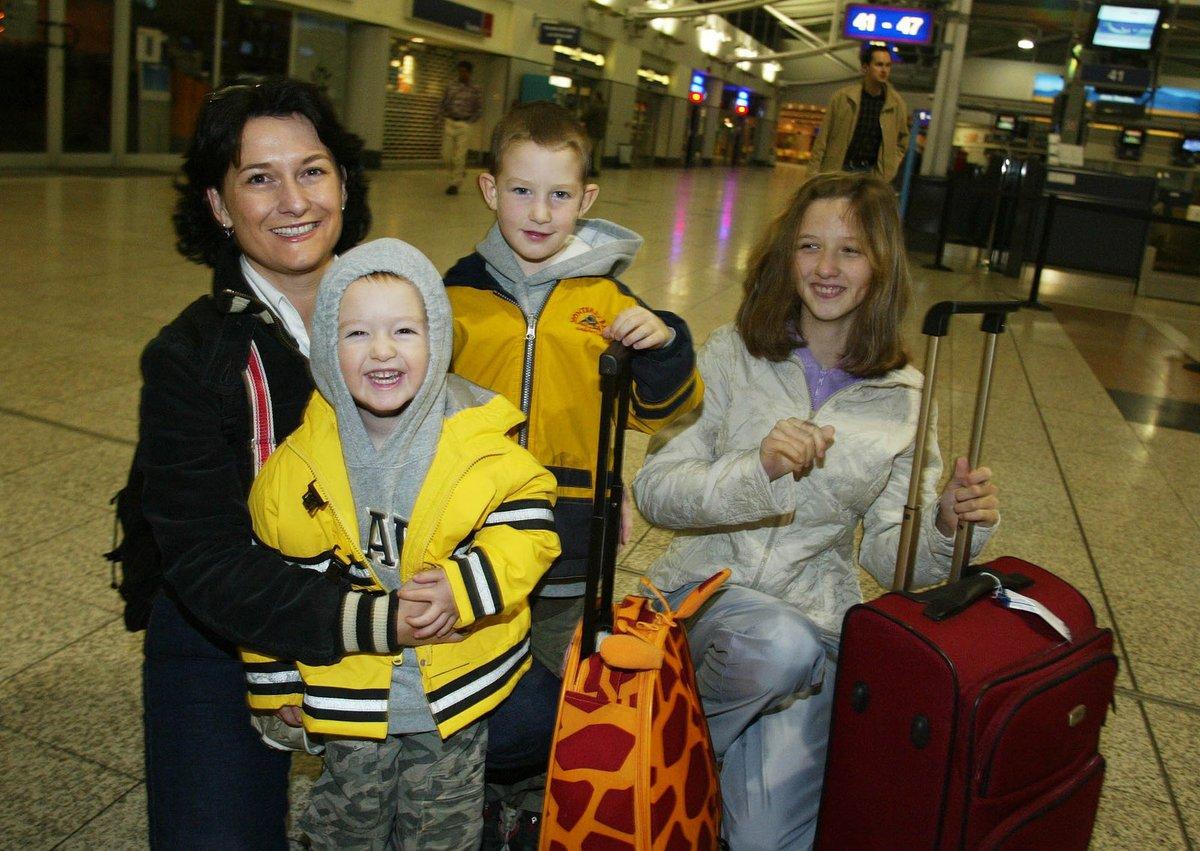 2003 - Mirka Čejková se všemi svými dětmi na archivním snímku.