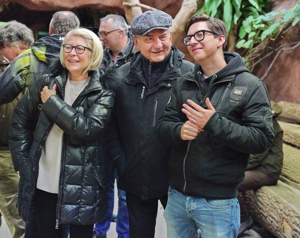 Miroslav Donutil s manželkou a synem Martinem