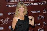 Goldie Hawn oblékla černé šaty řeckého střihu