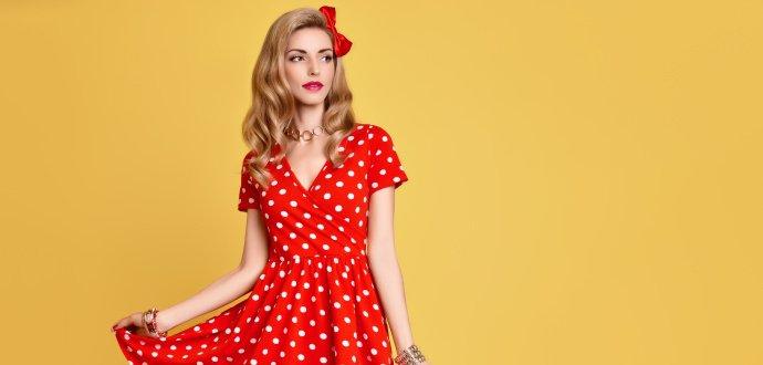 Oprašte puntíky i vesty: představujeme módní trendy pro jaro 2020