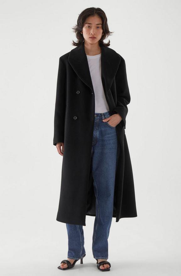 Vlněný kabát, COS, 250 EUR